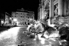 Roma Trevi fountain